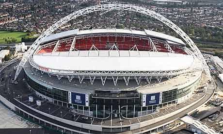 Paises Inglaterra, Francia, Italia o Alemania siempre utilizan un mismo campo para sputar las finales de Copa.
