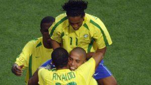 La Brasil del Mundial de 2002 destacaba por el virtuosismo de su tridente ofensivo (Ronaldo, Rivaldo y Ronaldinho).