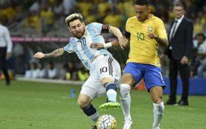 Messi y Neymar son los referentes actuales de Argentina y Brasil.